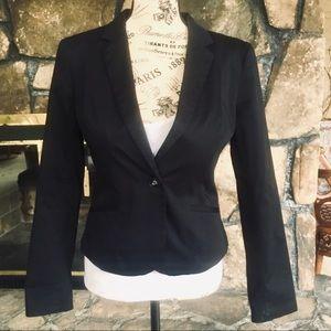 H&M Black Long Sleeved Blazer NWOT
